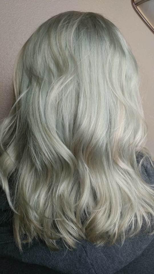 2018 - green hair!